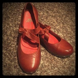 Dansko  Chestnut brown size 39 new
